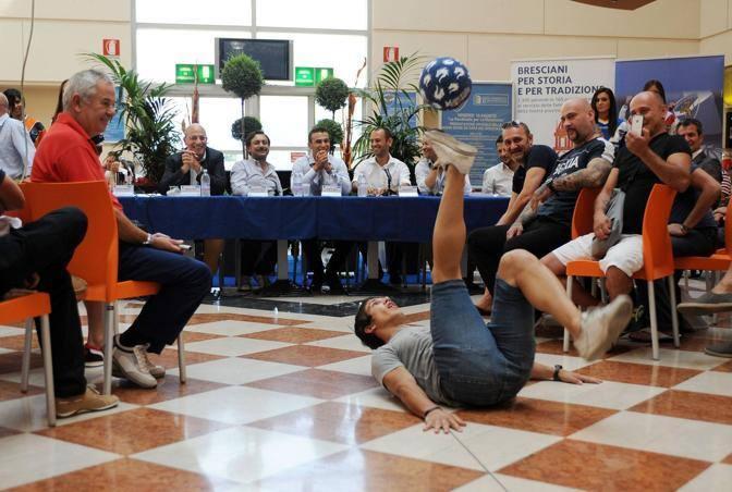 Gunther Celli in azione (Fotogramma Brescia)