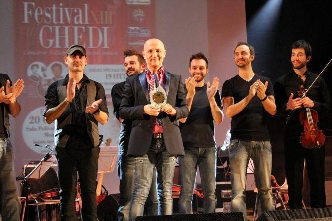 Alfonso Durante premiato al Festival di Ghedi (Foto SIMONE SEGHEZZI E DIEGO MONDINI)