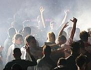 Una festa in discoteca