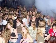 Ragazzi in discoteca (Fotogramma/Bs)