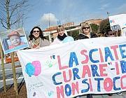 Manifestazione pro Stamina davanti al Civile