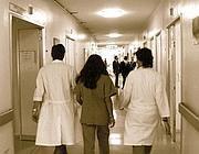 Una corsia dell'ospedale civile (Fotogramma)
