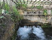 La roggia dove la Caffaro fa uscire l'acqua filtrata (Fotogramma/Bs)