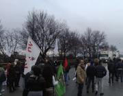 I manifestanti all'ingresso dell'inceneritore (foto Trebeschi)