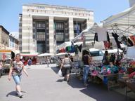Nuovo look per 26 banchi del mercato di Brescia: restyling da 43mila euro
