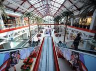 Con Elnòs scoppia la guerra dei mall: a Brescia è sfida tra sconti e eventi
