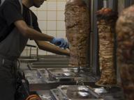 I bresciani vanno pazzi per take-away e kebab: in un anno crescono del 5%