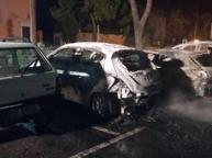 Calvagese, bruciate quattro auto parcheggiate davanti al Municipio