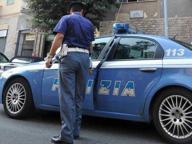 Colpiscono un uomo con una pietra: arrestato senegalese, il complice in fuga