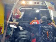 Brescia: casalinga si dà fuoco in strada, passante le salva la vita