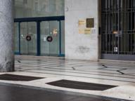 Piazza Vittoria ostaggio degli skate, residenti in rivolta: «Danni da 300 mila euro, la Loggia intervenga»