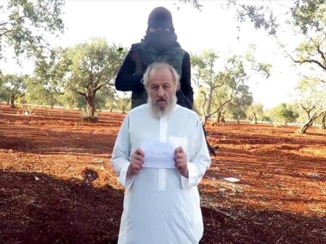 Zanotti, l'ex moglie: «Rapitoda balordi, non dall'Isis»|Chi è