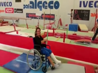 Vanessa Ferrari: l'operazione riesce e «prova» i volteggi in sedia a rotelle