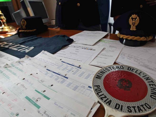 Documenti contraffatti per il permesso di soggiorno preso for Documenti per il permesso di soggiorno